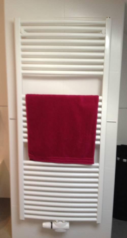termosifoni a parete boiserie in ceramica per bagno